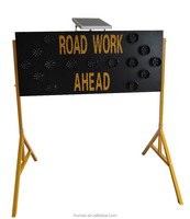 Road Work Using Solar LED Traffic Signal Construction Zone Warning Sign Arrow Board