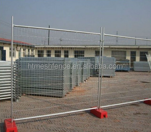 Australia standard hot dipped galvanized temporary fence panels with plastic base