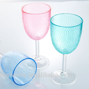 clear plastic wine cup