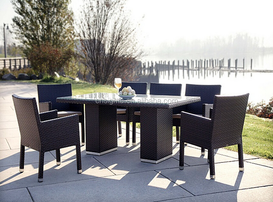 2017 Trade Assurance Hot Sale Outdoor Waterproof noble pe rattan resin wicker glass dining table