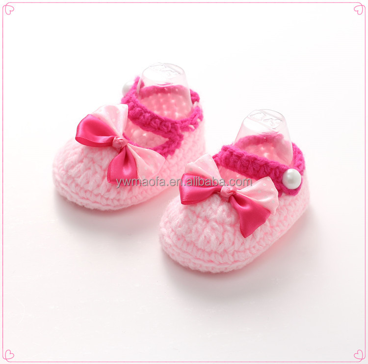 Factory-direct Selling Crochet Bow Tie Baby Girl Shoes Handmade Knitted Baby Booties