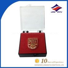 Customized gold metal printing red enamel with box badges lapel pins