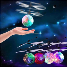 2018 Mini RC flying ball helicopter Flashing Light Aircraft Helicopter Infrared Induction Rc Toy