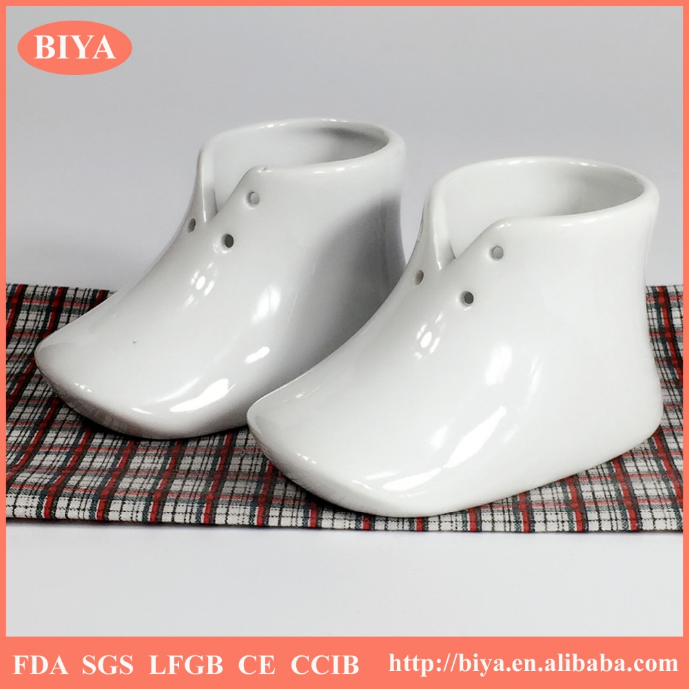 white porcelain foot shoe shoe shaped flower pot ceramics box or trinket box accept custom design or put things or flower pot