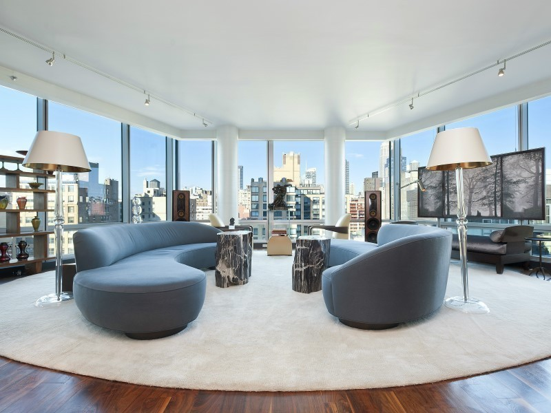 NYC Trophy Luxurious Penthouse Apartment