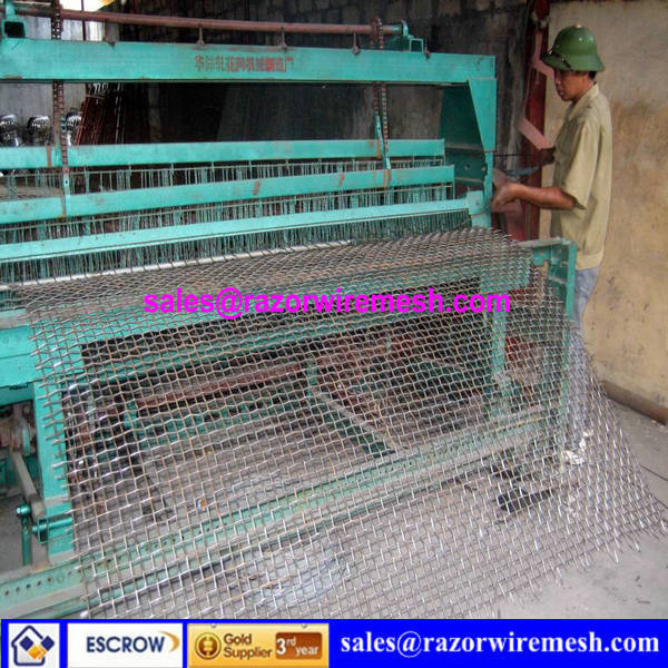huaxiang high quality and hot sale ISO9001:2008 factory crimped wire mesh