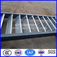 Low carbon steel low price galv grip strut stair treads