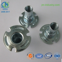 Yellow zinc plated carbon steel pallet nut