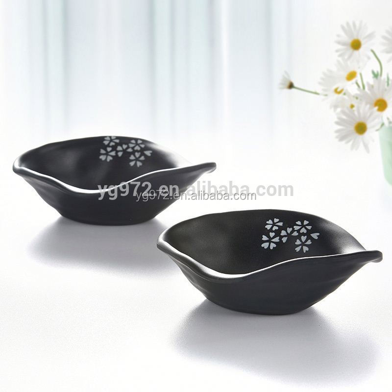 Restaurant and Hotel use Japanese sakura flower Design Black 100% Melamine small bowl Melamine sauce dishes