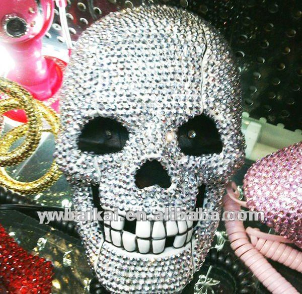 Fashionable novelty skull shape corded telephone