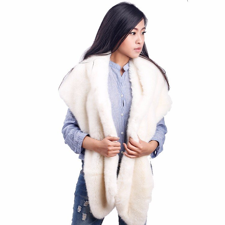 Best Sales High Quality Windproof Snow White China Faux Fur Coats