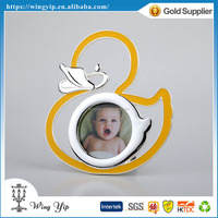 Manufacturer good quality Duck Shape Yellow Zinc Alloy Metal Mini Photo Frame