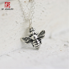 China Supplier Wholesale Custom Tiny Antique Silver Plated Honey Bee Pendant Necklace