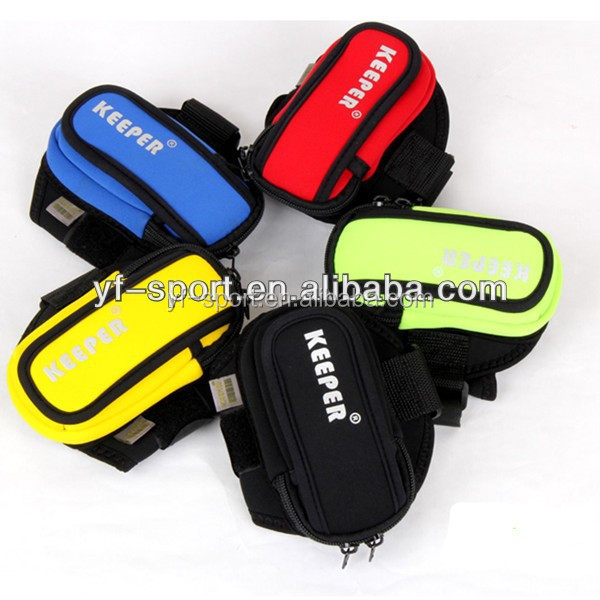 Hot selling promotional neoprene mobile phone arm bags