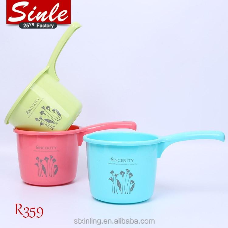 Kitchen utensils plastic water ladel for cooking