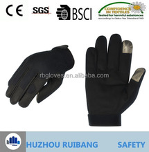 Fiber On Fingers Tips To Operate Touch Screen Work Glove