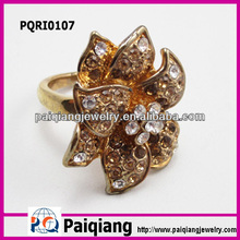 Fashion model flower jewelry diamond gold gents ring