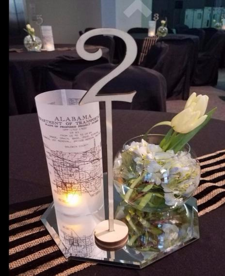 High Quality  wooden  weding table numbers