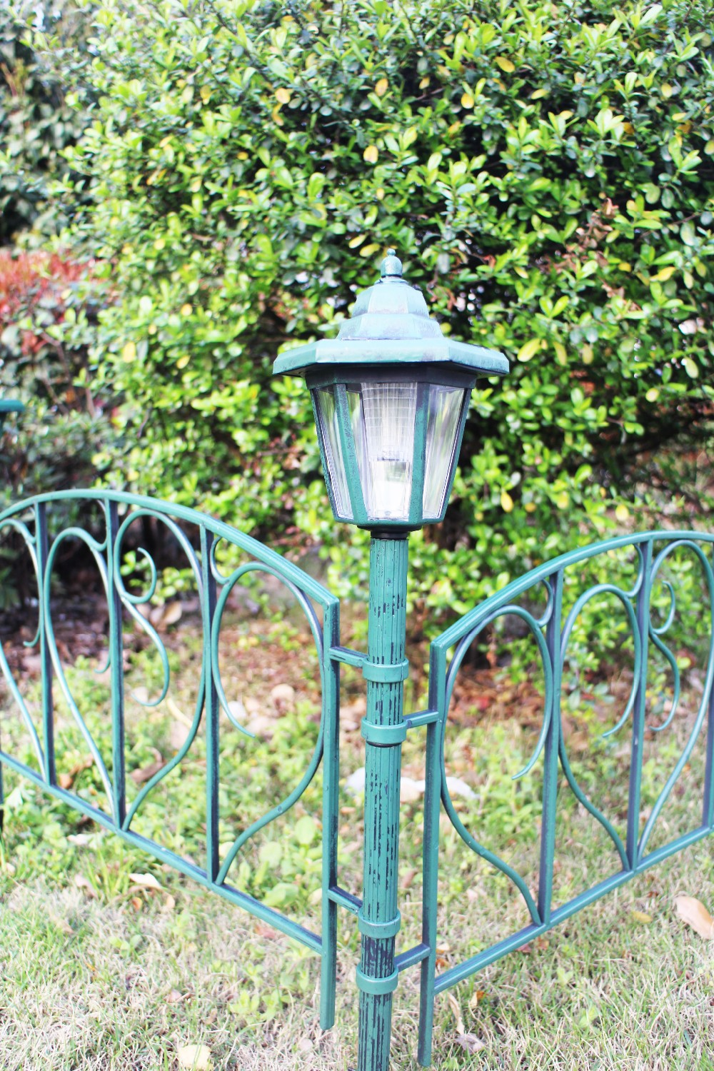 Garden High Quality Plastic Fence Panel Post With Solar