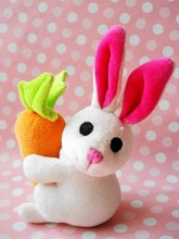 Cute Promotion Gift Plush Bunny with Carrot/Soft Rabbit 14cm Tall/Stuffed Animal Toy Customized White Rabbit Holding Carrot