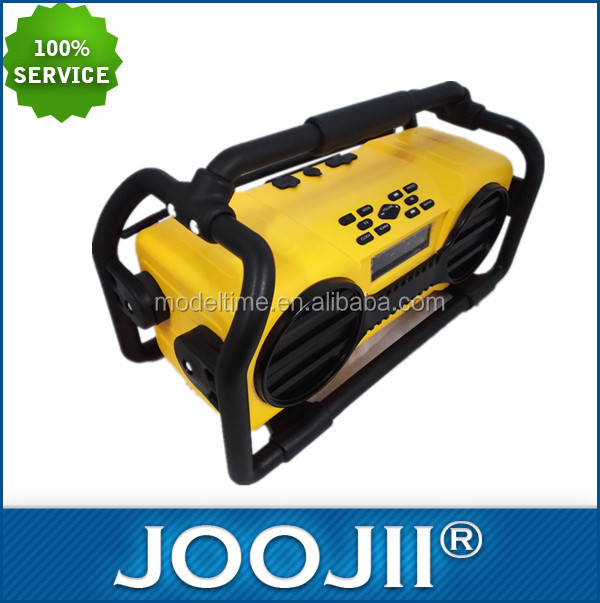 Water-resistant Jobsite Radio with rechargeable battery