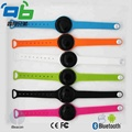 OEM/ODM BLE Beacon dialog chipset wristband iBeacon&Bracelet beacon