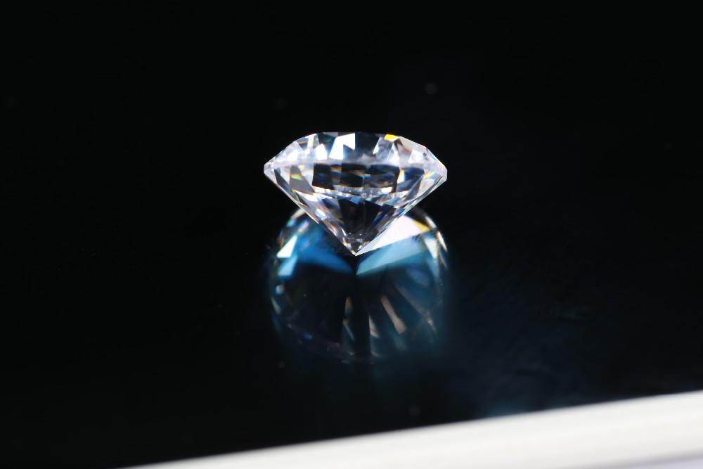 1 carat cubic zirconia.JPG
