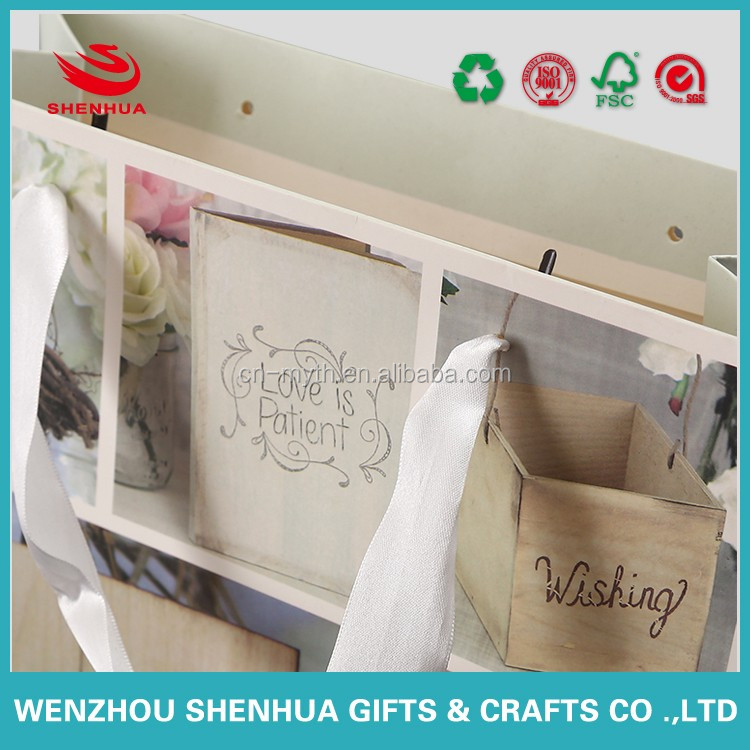 luxury beautiful and fashion white board paper bag for gifts and souvenirs