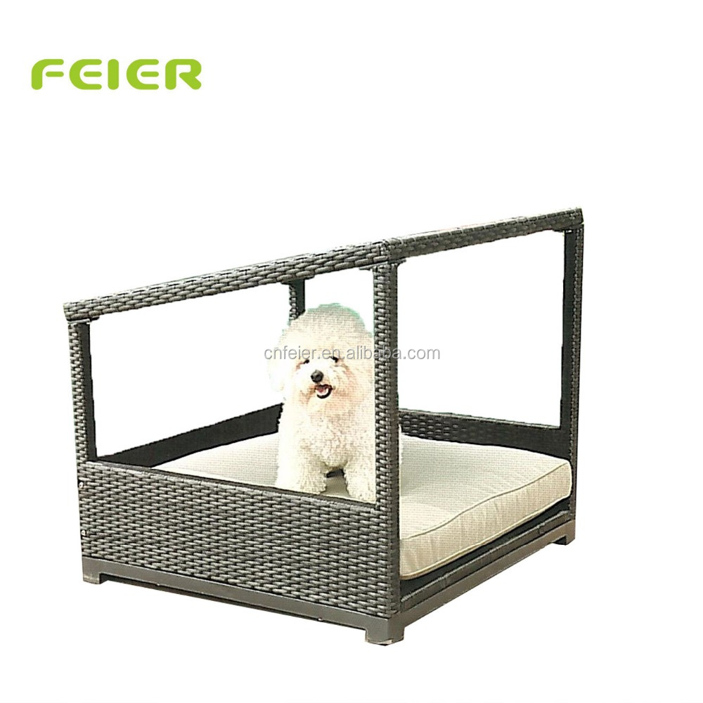 Rattan Dog House Wicker Outdoor Indoor Dog Crate Log Cabin Pet House