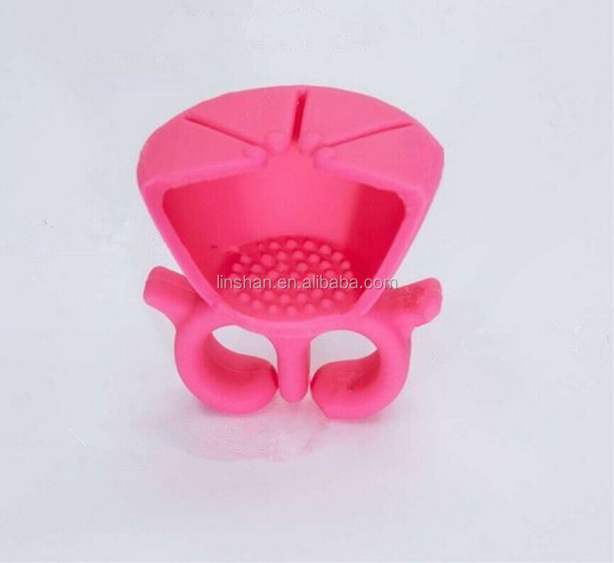 New Soft Silicone Finger Wearable Nail Gel Polish Bottle Holder with Ring Creative Nail Art Tools Polish Varnish Bottle Display