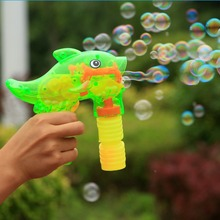 Incroyable en plastique transparent bubble blower gun - bande dessinée dauphin pistolet de bulle