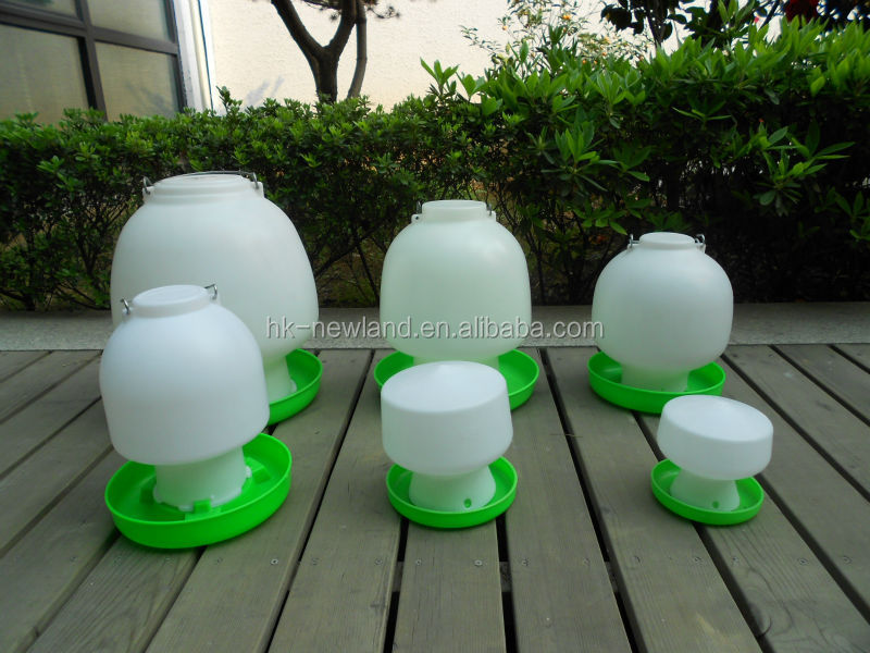 NL813 High quality plastic ball type chicken poultry bird water drinkers
