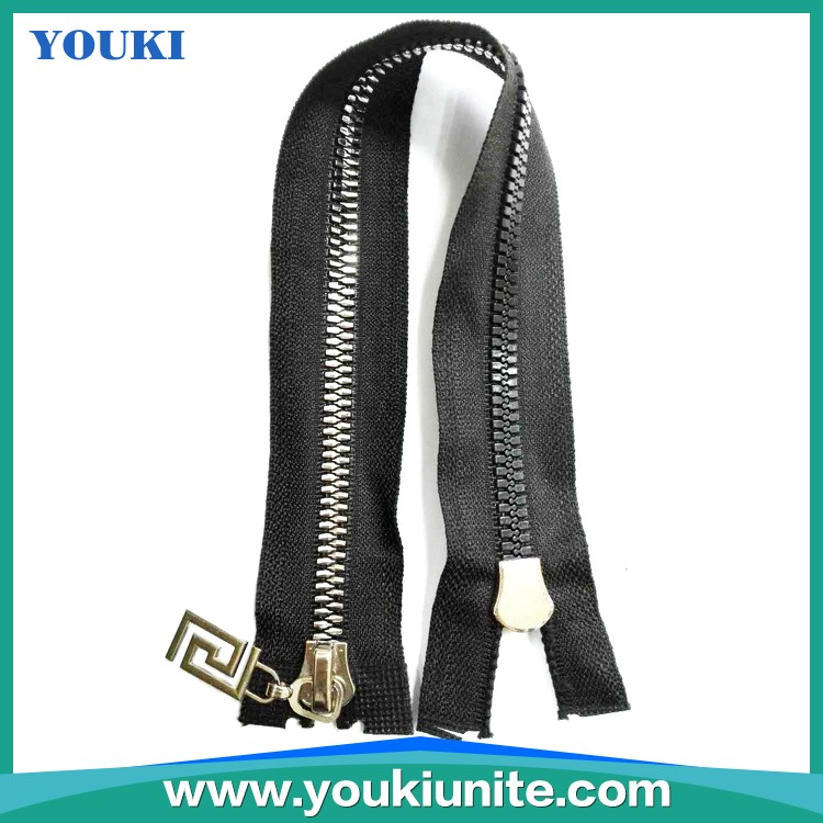 8# Plastic Zipper Open-end With Auto Lock Special Teeth and Slider YKP-2032
