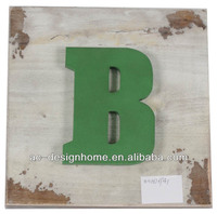 "LIME GREEN ""B"" WOODEN LETTER WALL DECORATION"