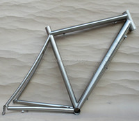 The titanium Road bike 700C frame /Bend seat stay / Fat Down Tube/ Engraved Logo