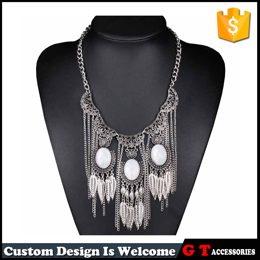 White Resin Multi Leaves Shaped Pendant Trendy Jewelry Necklace Design For Women