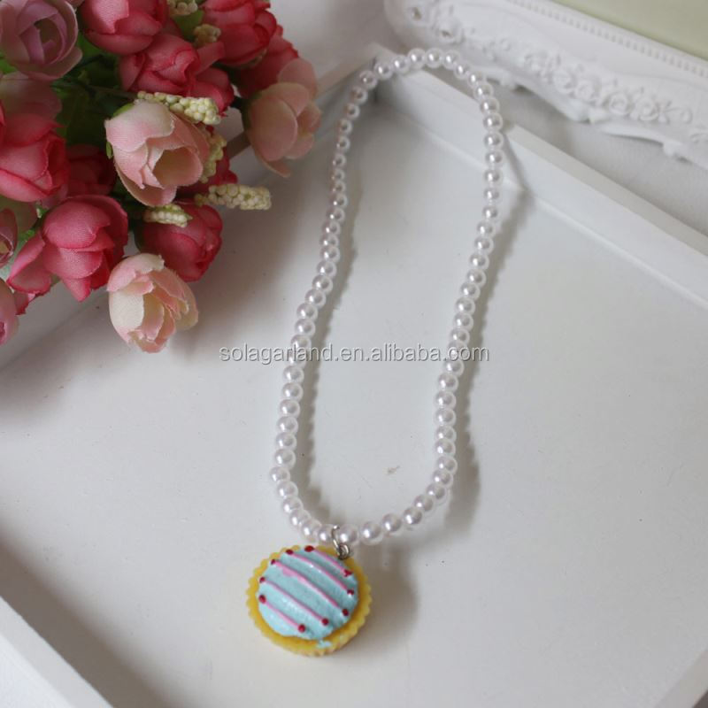 Handmake Wholesale Round Cake Pendant Ivory Color Pearl Beads Kids Chunky Necklace