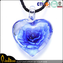 fascinating and charming heart lampwork glass pendant necklace