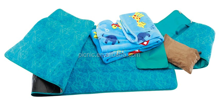 High Quality Waterproof Picnic 2 in 1 Pillow Blanket