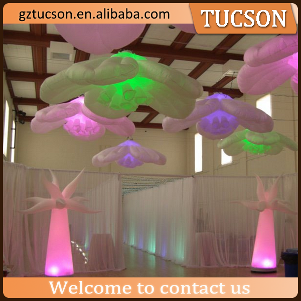 custom inflatable lighted pillar and flower decoration for wedding hall