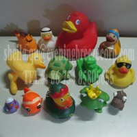 wholesale promotional floating vinyl duck , bath yellow rubber duck , custom rubber duck