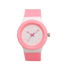 Hot Sale Simple Designed Silicone Kids Watch Candy Color Casual Business Quartz Miler Girls Wrist Watch A1235