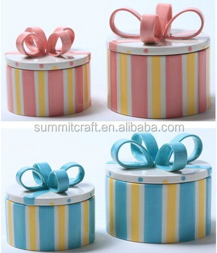 Fashioned baby pink and blue candy jar with Bow knot lid