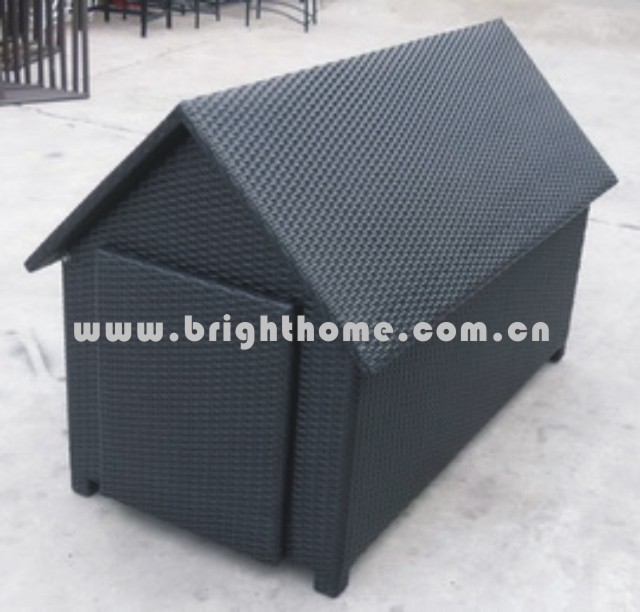 Outdoor Large Dog House for Sale
