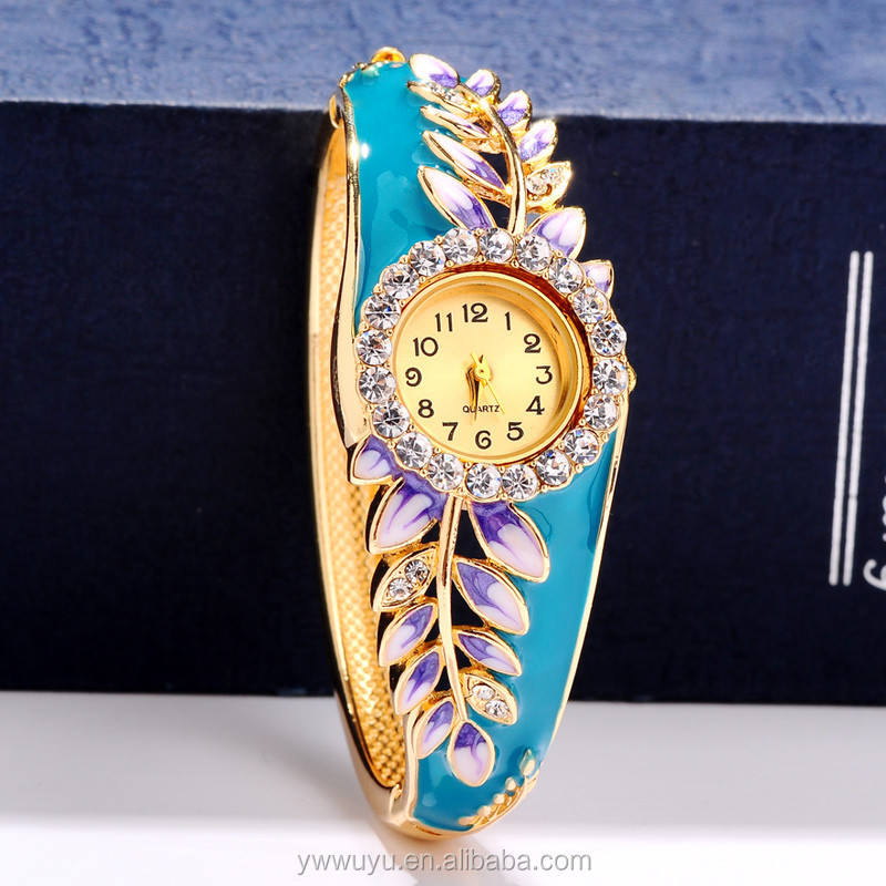Leaf Enamel Waterproof Quartz Sexy Ladies Watches With Gold Bangle