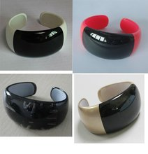2012 bluetooth vibrating bracelet with OLED dispaly and caller's ID