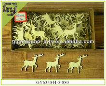 natural wooden crafts reindeer shaped Christmas ornaments