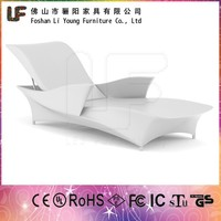 Outdoor Plastic Illuminated Furniture Glowing LED Sun Loungers Modern Flashing LED Chaise Recliner Chair used for Poolside Beach