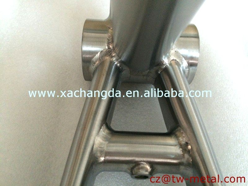 Titanium road bicycle frame touring bike frame & Coupler installing bike frame