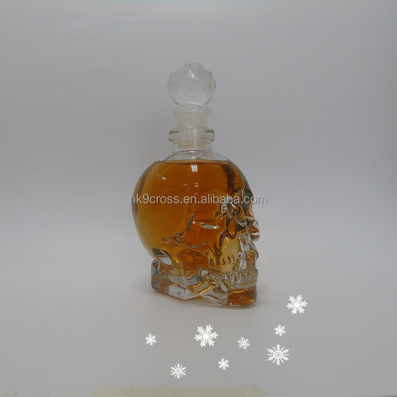 Crystal 350ml size glass skull head Whisky wine bottle wholesale